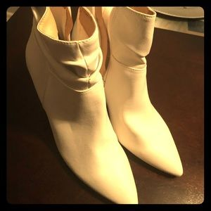 White leather booties NWOB